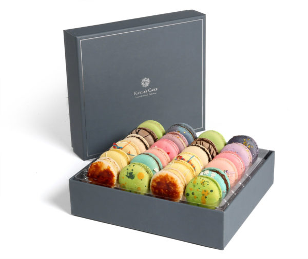 medium box french macarons