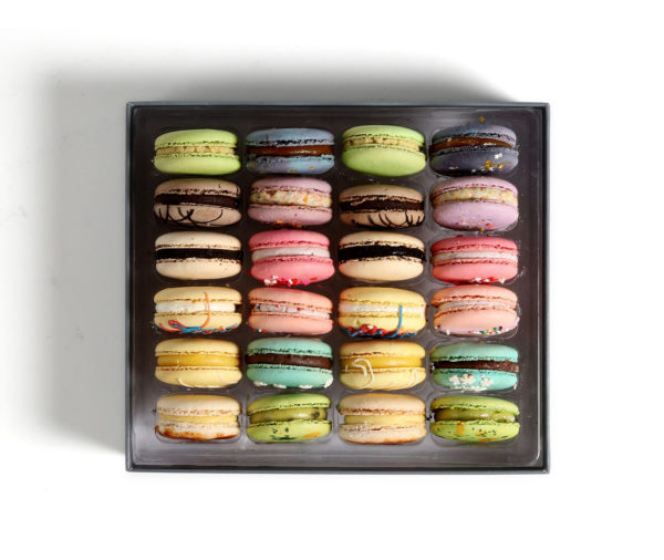 french macarons box 24